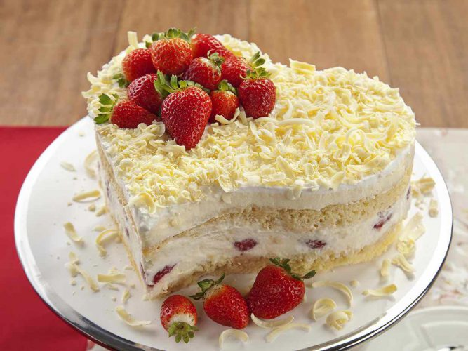/media/1161/torta-delicia-de-morango